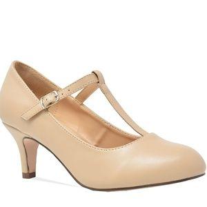 Women's Round Toe Mid Heel Mary Jane Pump Nude